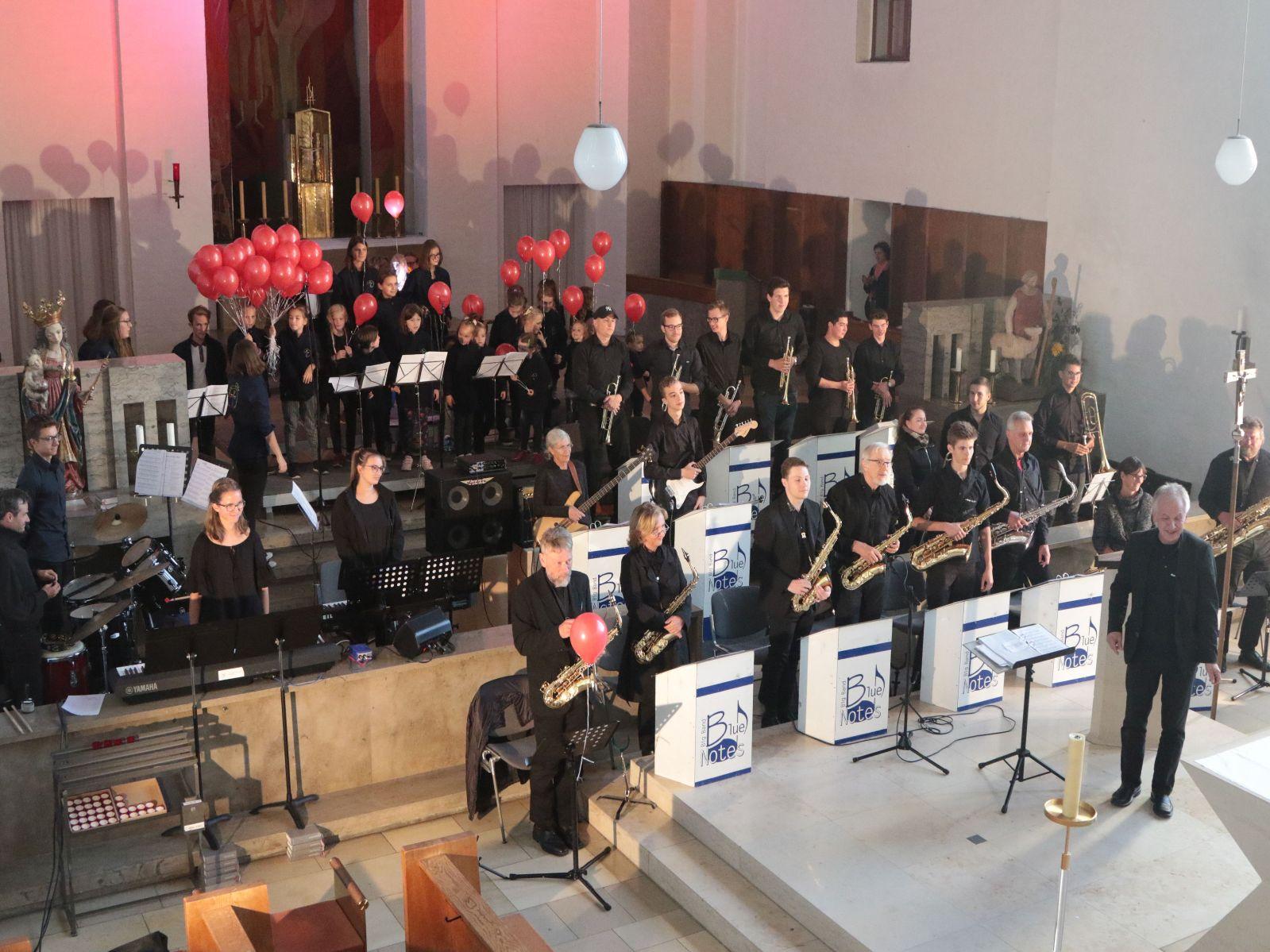 Big Band und Kinderchor in St. Ägidius