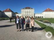 Querflötenschüler vor dem Schloss Nymphenburg